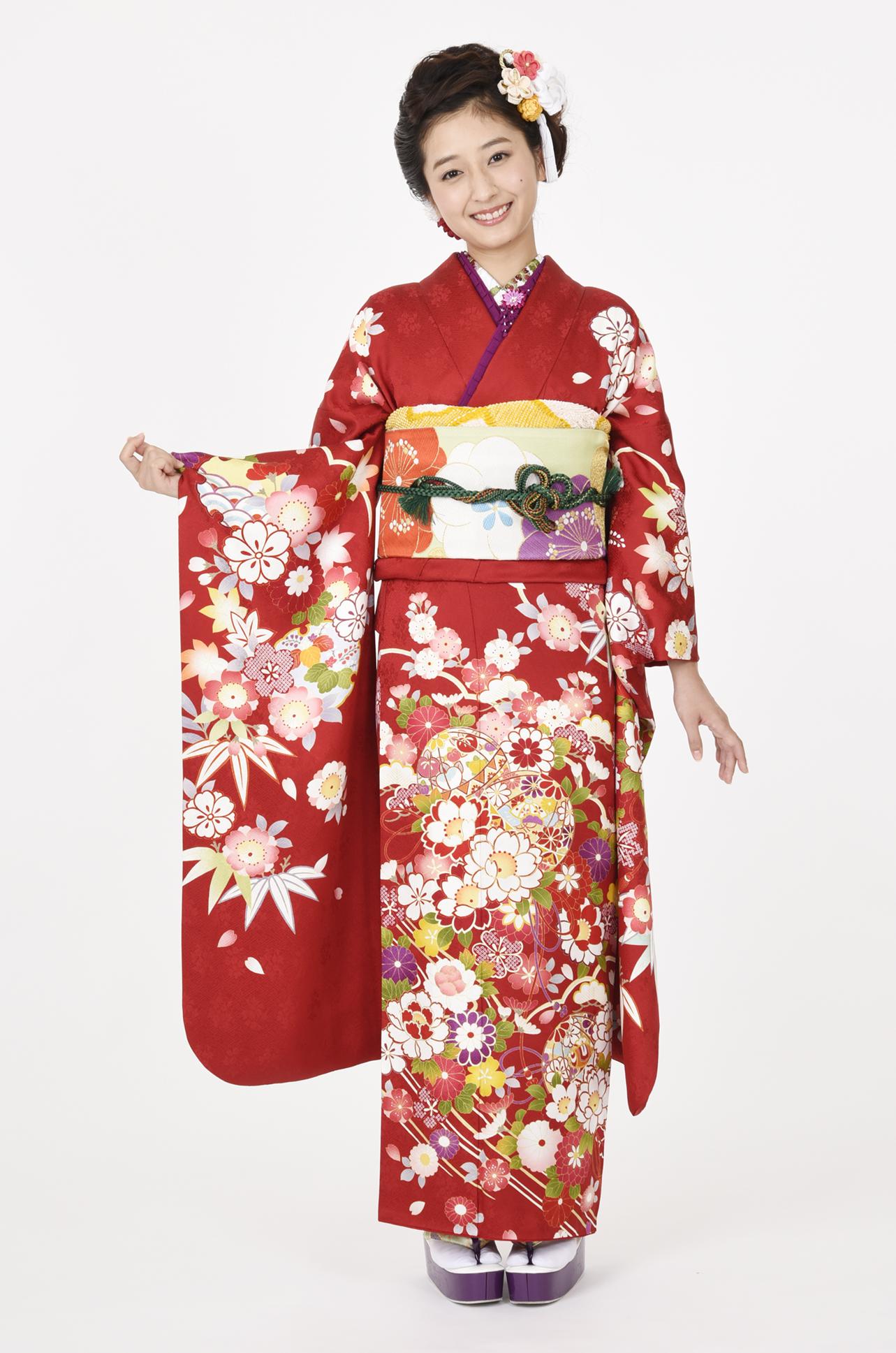 【MKK-2905】赤地に愛らしい桜と毬柄振袖