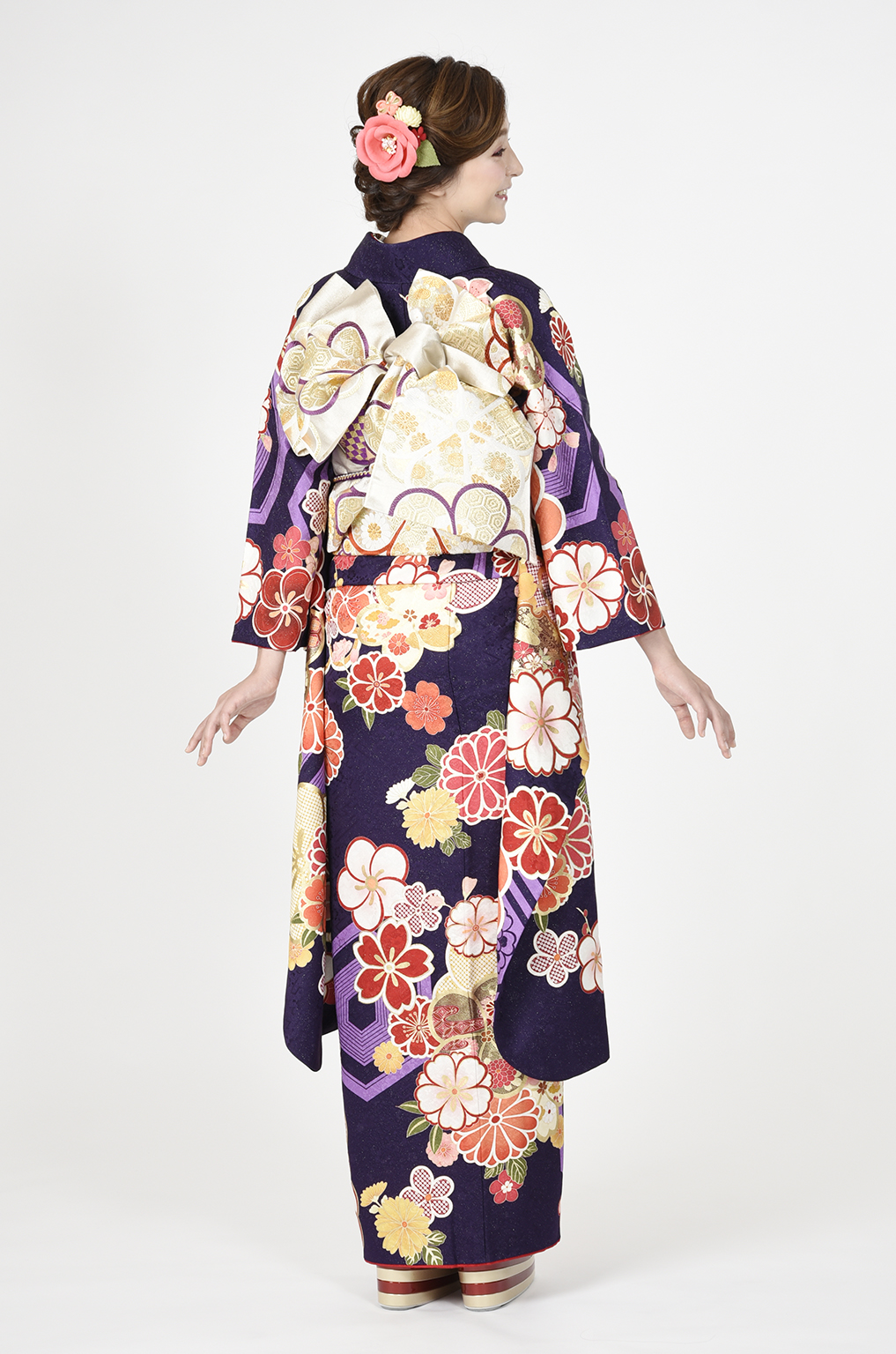【MKK-2908】★紫地に大柄亀甲とねじり梅柄振袖